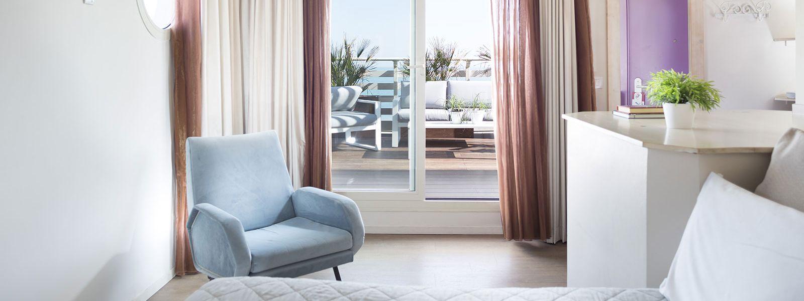 Camere vista mare rimini albergo sul lungomare hotel - Rima con finestra ...